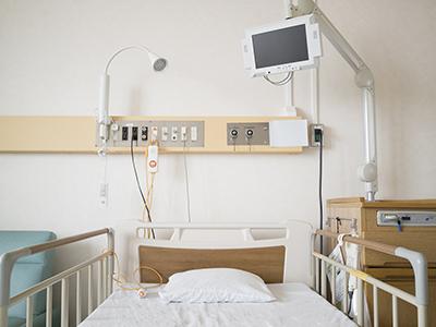 病院での生活は治療が優先されるので、思っている以上に不自由なものです。